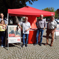 Karl-Heinz Brunner mit Unterstützern des SPD-Ortsvereins Weißenhorn